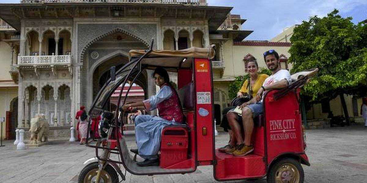"""Make a eco-friendly tour in the """"Pink City"""" of India"""