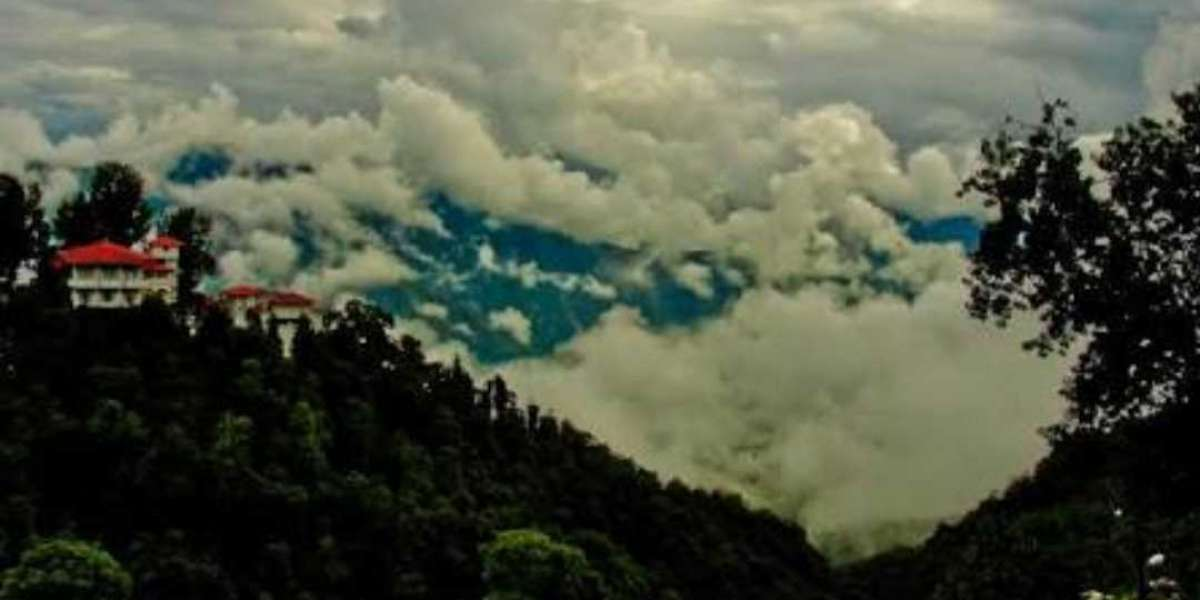 """Mussoorie - the Queen of hills"""