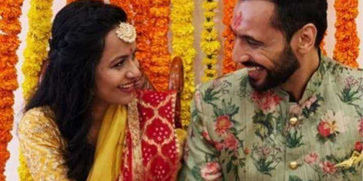 Punit Pathak gets Engaged with Nidhi Mony Singh