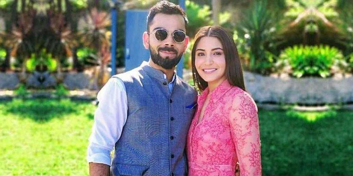 Virat Kohli and Anushka Sharma announces their Pregnancy